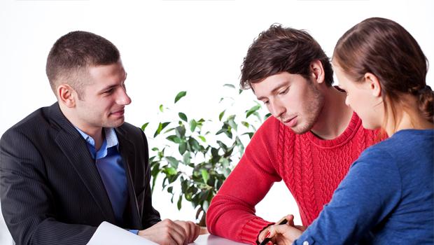 Účty - Osobní - Podnikatelské - nebo Studentské - ilustrační foto